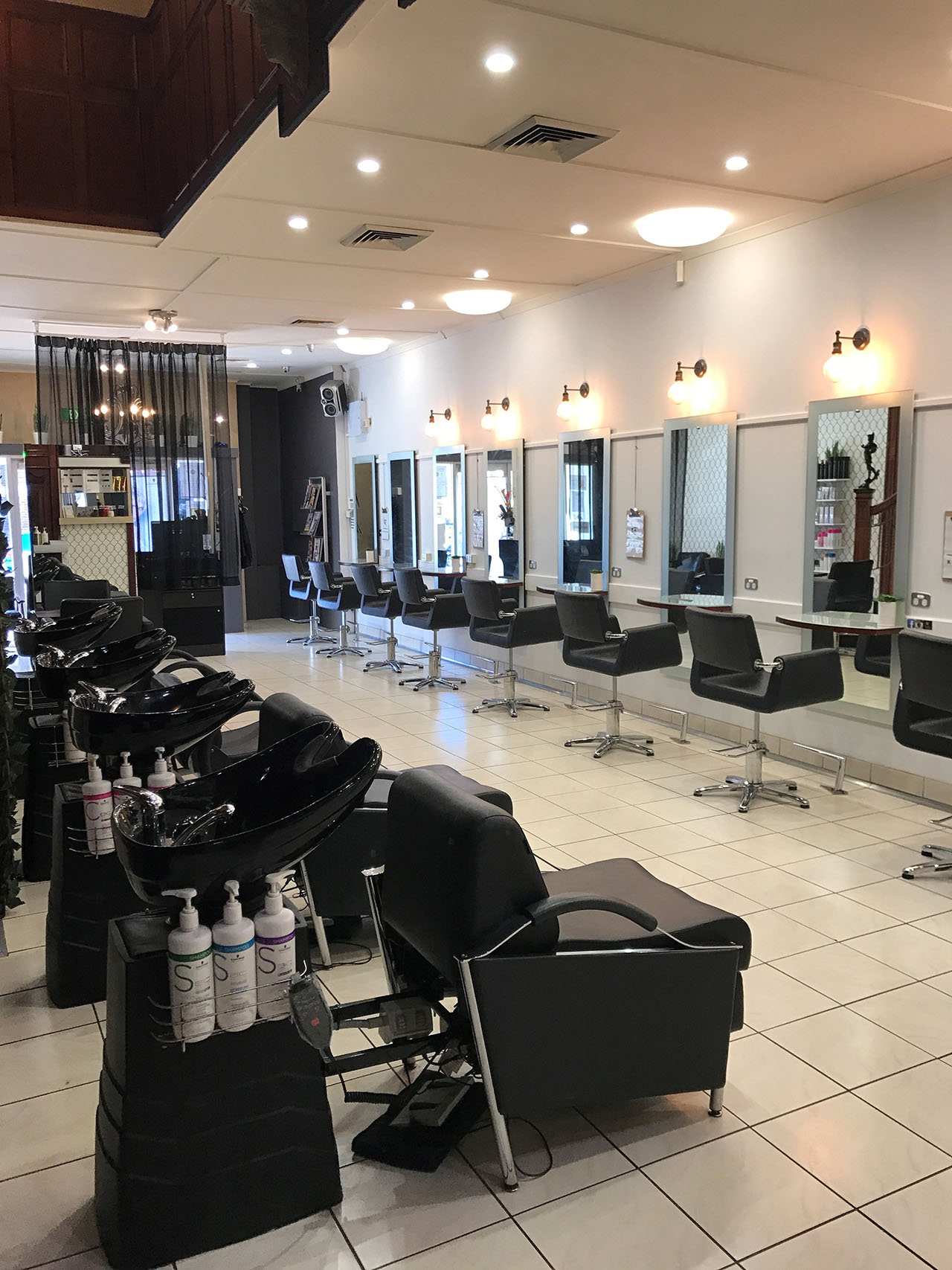 Salon Interior-Hair-Salon Hamilton-Kokum Hair Skind and Body-02 4961 2822